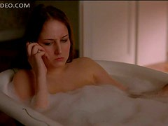 Gorgeous Leelee Sobieski Taking a Bubble Bath
