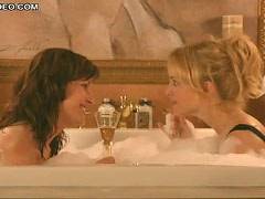Hot Babes Bridget Moynahan and Heather Graham Sharing a Bubbly Bath