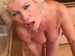 Amateur mature granny pussy fucked after sucking