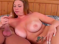 Sex with all natural curvy girl is hot