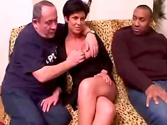 Amateur brunette fucking in foursome