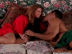 Sexy brunette MILF gives great blowjob