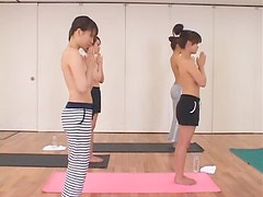 Deporte - Insanely Hot Asian Babes in Nude Yoga Class