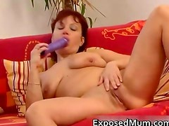 Sex toy drilling mother spreading her