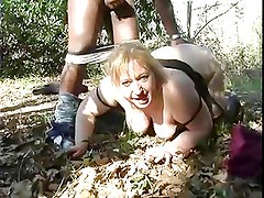 BBW French in hot sex with bbc in woods