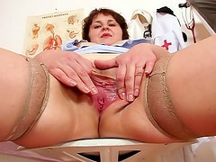 Take a look inside her mature pussy