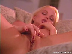 Silvia Saint Playing With Her Wet Pussy At Home