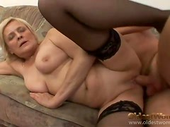 Foreplay with flabby mature slut he fucks