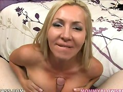 Horny uk mommy engulfing cock