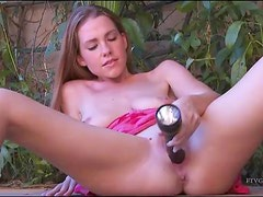 Brunette Outdoor Masturbation Session