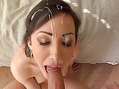 Perfect facial and spoon feed cum