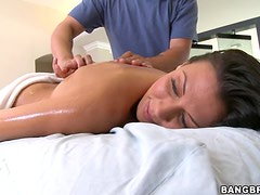 Horny Masseuse Gives His Beautiful Client The Special Treatment