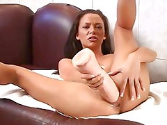 Malezia Using A Huge Dildo And M...