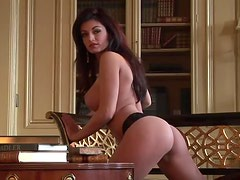 Busty brunette babe Kaytee Bees demonstrates her gorgeous body