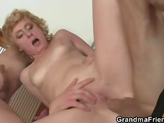 Old lady does double pussy penetration