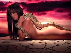 A Hot Tease From Valerie Mason And Her Pet Snake