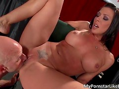 Amazing busty hottie Rachel Starr gets moist cunt wrecked by horny Johnny Sins