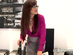 Hot Sex Scene With The Busty Brunette Lisa Ann
