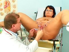 Doctor fucks fat mature chick with toy