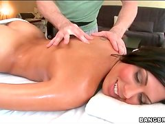 Rachel Starr sensually rubbed down by oiled hands