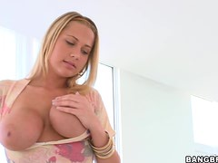 An Incredible Handjob From A Gorgeous Blonde Babe