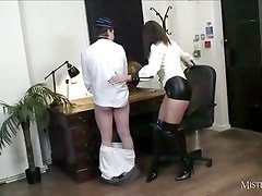 Mistress-Carly gives student bottom marks for wanking