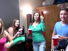 College teens get drunk in a dorm room which turns into an orgy party