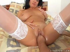 Busty brunette milf  Mara blows and gets her pussy fisted
