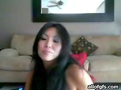 Gorgeous webcam girl finger and toy fucks pussy