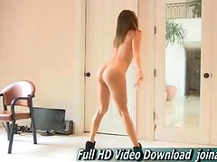 Hannah teen sexy shows off her flexible