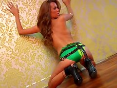 Sharae Spears is a kinky honey with some beautiful shapes