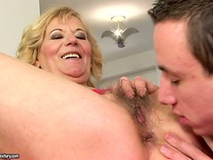 Perfect Sex with a Hot Blonde Granny Hardcore Porn Clip