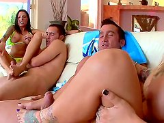 Experienced playful pornstars Juelz Ventura and