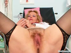 Hairy mature box is hot in close up