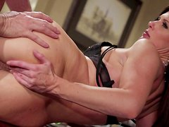 India Summer craves to get cum over her face