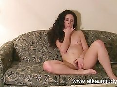 Milf Morganna fingers and masturbates her way to orgasm