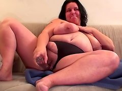 Big booty babe Renate Zug is fucking hersels