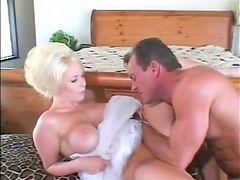 Foxy glamorous blonde slut boned in the cunt