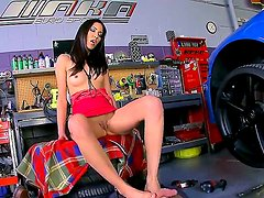 Long legged beauty Suzanne Kelly seduces hot mechanic in the local car shop