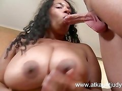 Ebony MILF Delilah fucks her hot  bush