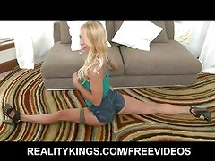 Blonde girl next door knows how to prove she's a freak