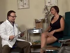 Sperm-collector Vannah Sterling fucks a doctor in his office