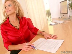 Oficina - Hot Sex With The Busty Milf Sharon Pink