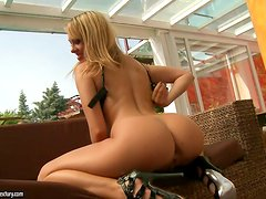 Blonde beauty takes a break from shooting to poon play