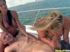 Charisma Cappelli enjoys in spending her afternoon on a boat,