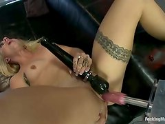 busted blonde Cameron Canada has got laid by screwing device