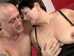 mature broad gets totally fucked