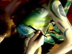 Bosomy girlfriend gets her body covered with beautiful arts