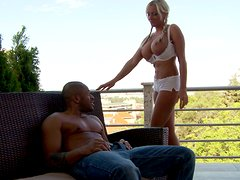Extremely sexy Jordan Pryce gets her anus drilled outdoors
