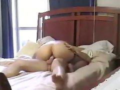 Sexy MILF rides a hard shaft in an awesome homemade video